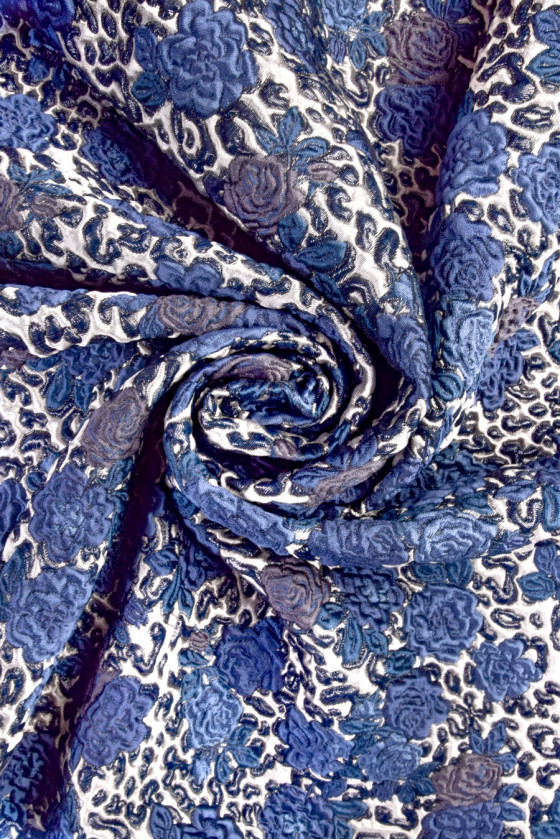 Jacquard in flowers with lurex
