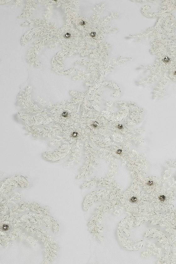 Lace tape with ecru crystals