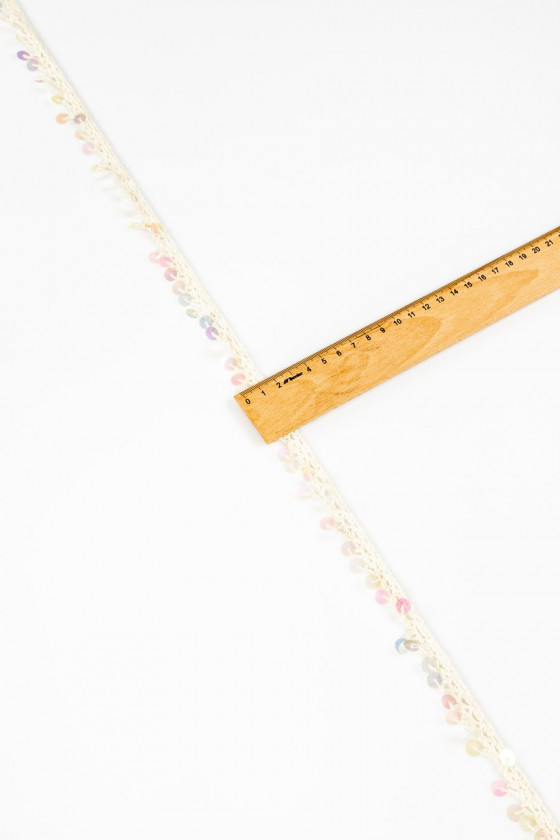 Pasmanteral tape with sequins