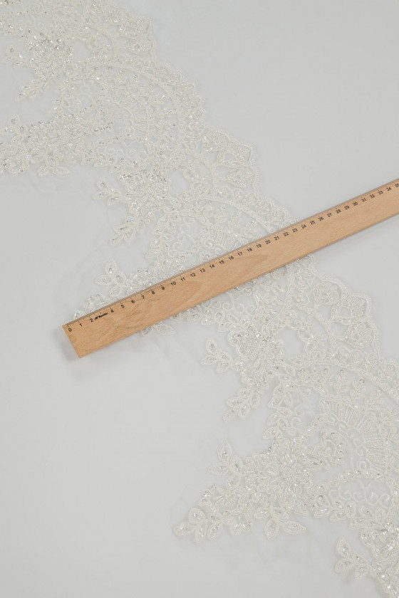 Lace tape with ecru beads
