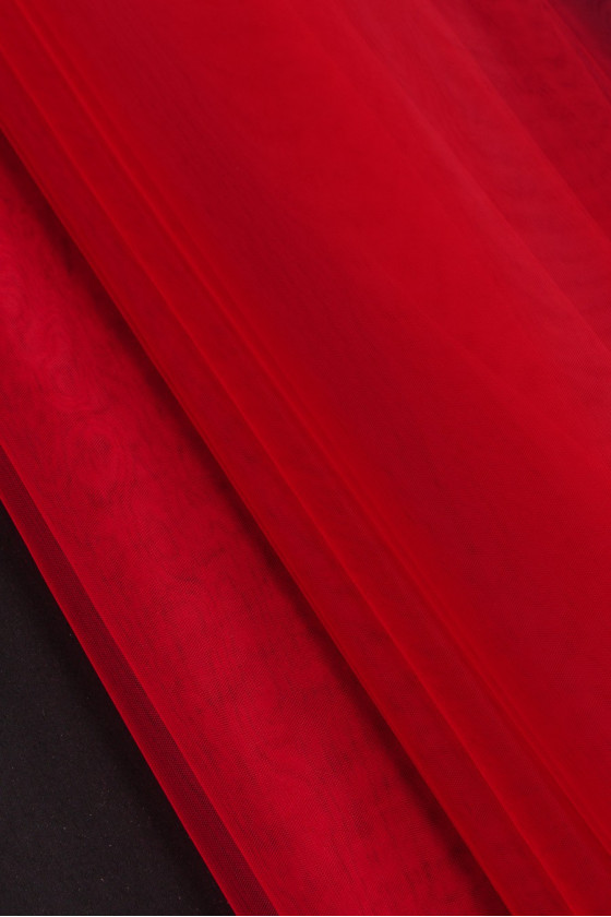 Tulle soft red wide 280 cm