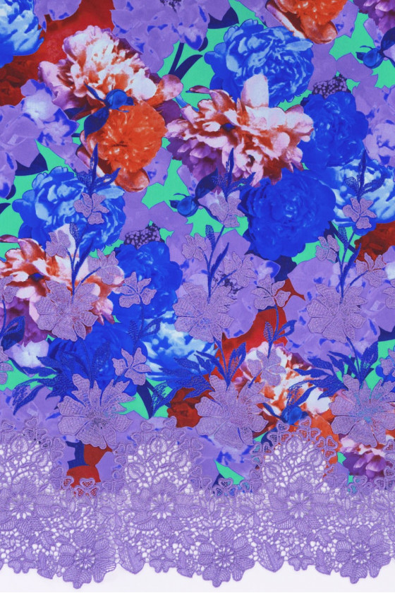 Silk crepe with 3D flowers and guipure