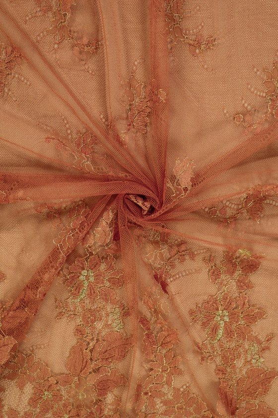 Red-gold narrow lace