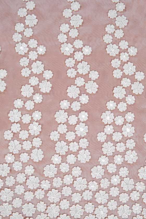 Organza with flowers 3d - cream