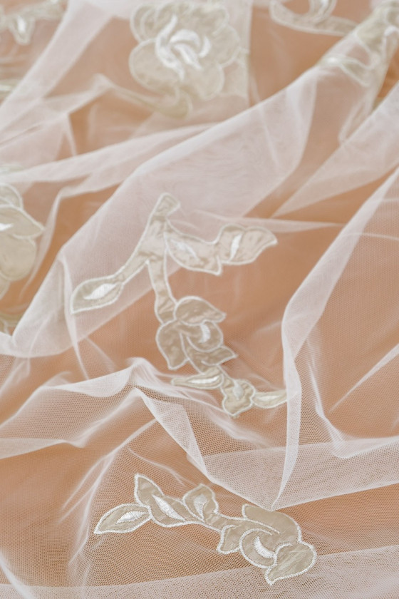 Tulle embroidered - ecru