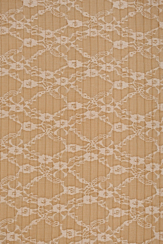 Pleated beige lace
