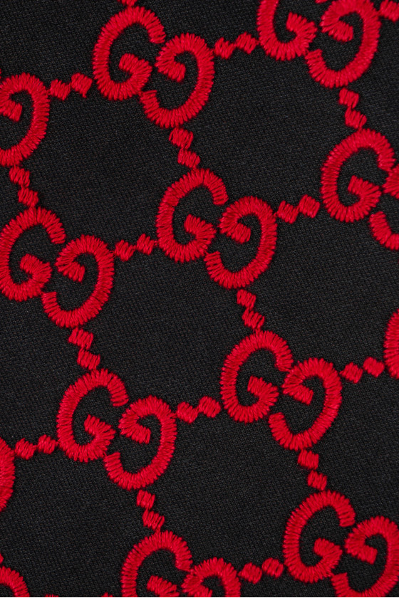 Embroidered graphite wool - signature