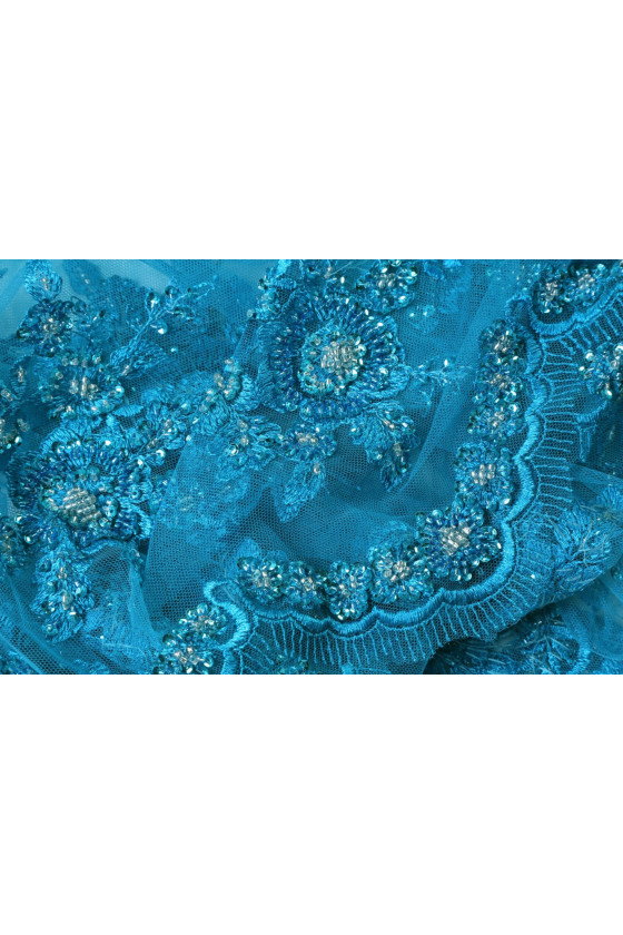 Evening lace with beads